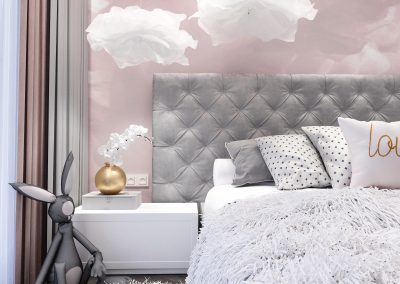 Sweet Pink & Grey Room with Bath and Wardrobe